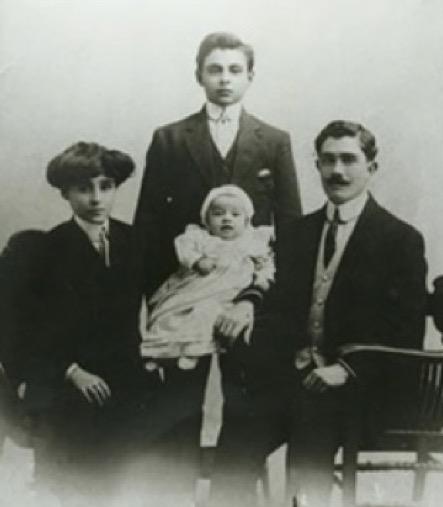 constantine-family-1912